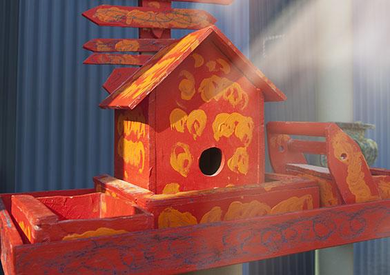 rood vogelhuis